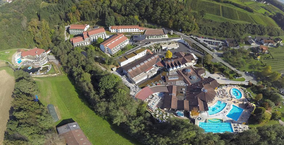 Luftaufnahme der Heiltherme-Bad Waltersdorf im Thermenland Steiermark